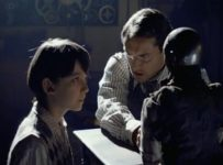 Hugo - Asa Butterfield and Jude Law
