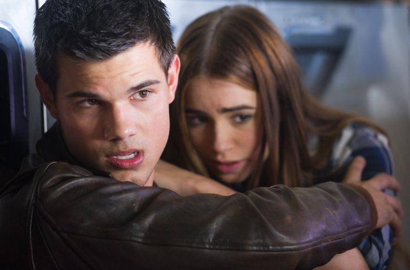 Abduction - Taylor Lautner and Lily Collins