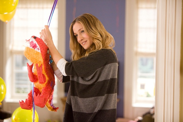 SARAH JESSICA PARKER stars in I DON'T KNOW HOW SHE DOES IT