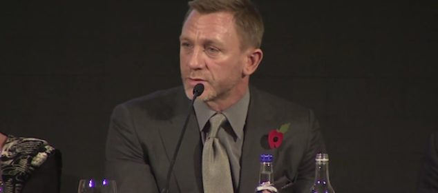 Daniel Craig announces his role in Bond 23, Skyfall