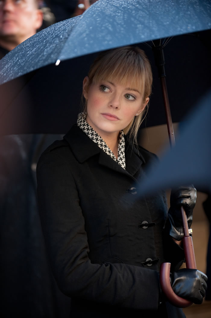 The Amazing Spider-man - Emma Stone as Gwen Stacy (with umbrella!)
