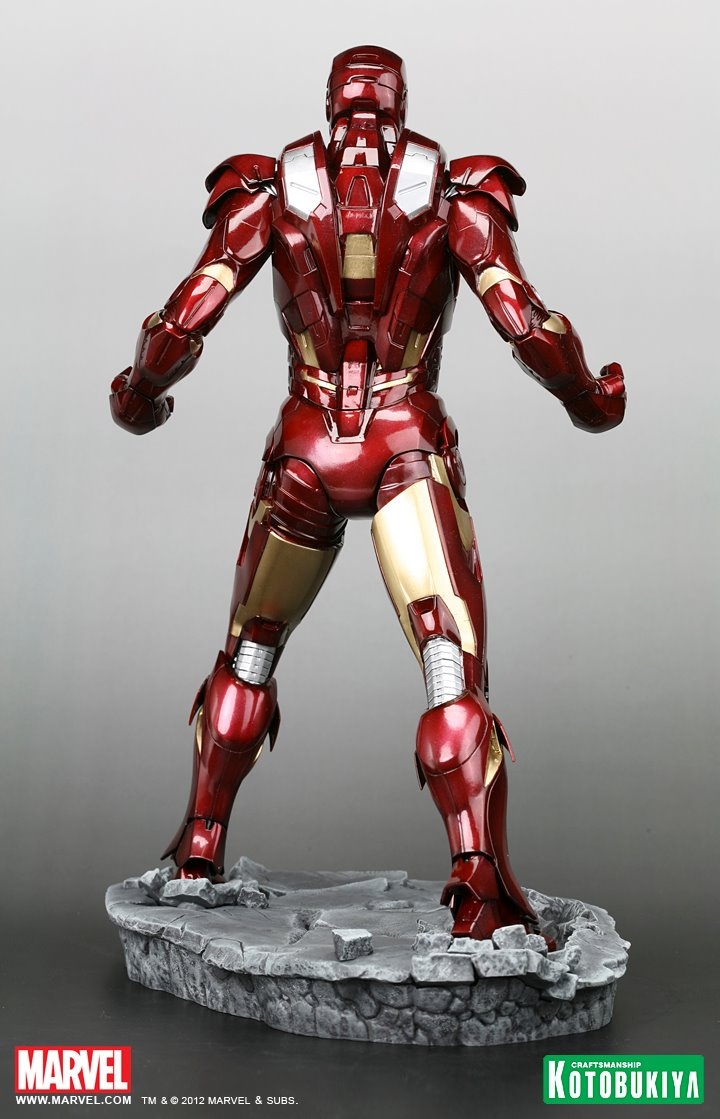 new statue reveals the avengers iron man mark vii armour. Black Bedroom Furniture Sets. Home Design Ideas
