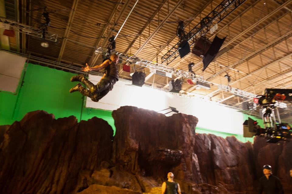 Riddick flying (Vin Diesel)