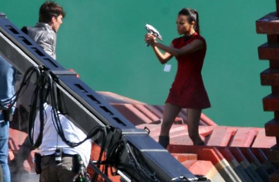 Star Trek 2 set - Saldana and Cumberbatch