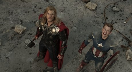 THE AVENGERS - THOR (Chris Hemsworth) (L) and CAPTAIN AMERICA (Chris Evans) (R)