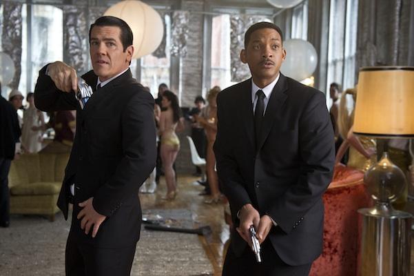 Will Smith;Josh Brolin in MEN IN BLACK 3