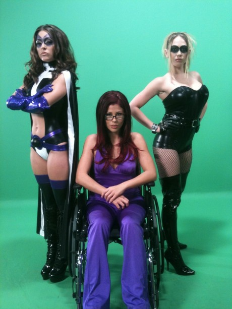 Birds of Prey XXX Parody - Huntress (Gracie Glam), Black Canary (Kagney Linn Karter), Oracle (Brooklyn Lee)