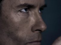 Peter Weyland (Guy Pearce) - Prometheus Viral