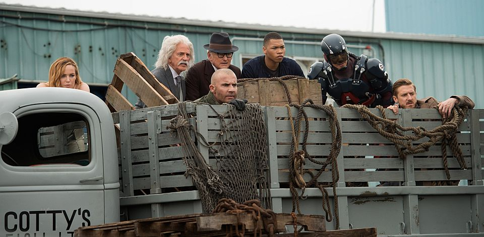 Legends of Tomorrow - Season 2: Out of Time