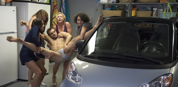 (L to R) Blair (Zoë Kravitz), Alice (Jillian Bell), Scotty (Ryan Cooper), Jess (Scarlett Johansson), Frankie (Illana Grazer) in Columbia Pictures' ROUGH NIGHT.